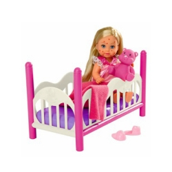Кукла Эви в постели с игрушками